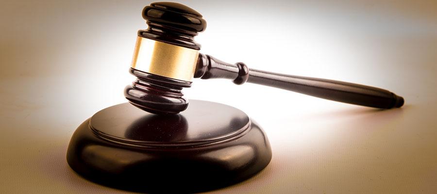 Sospesi i giudizi: erano contraddittori